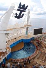 Aqua Theater Suite